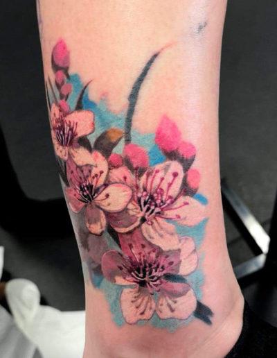sakura kirsebærblomst tatovering